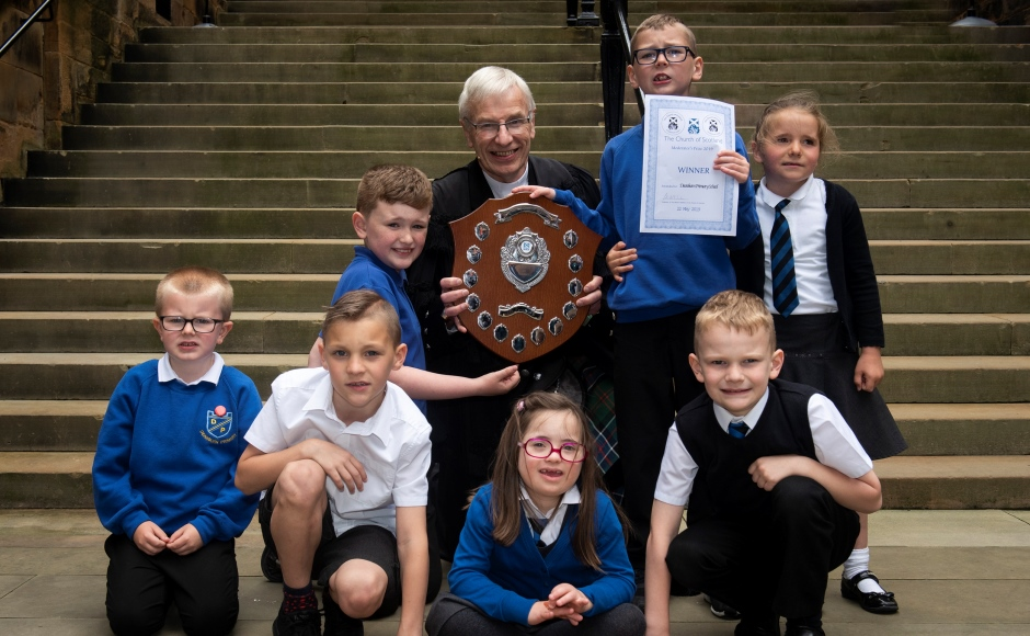 Rt Rev Colin Sinclair with children from Deanburn Primary School