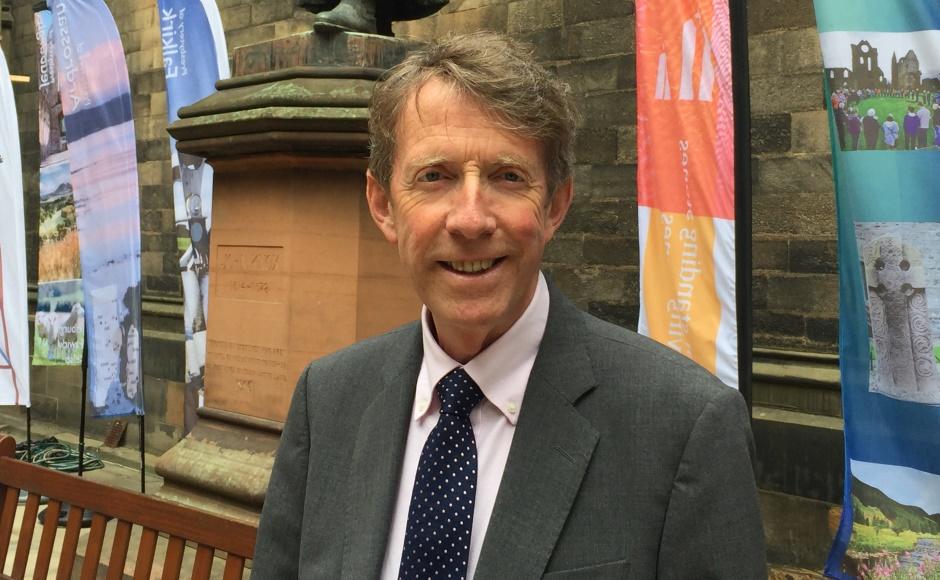 Very Rev Dr Alan McDonald