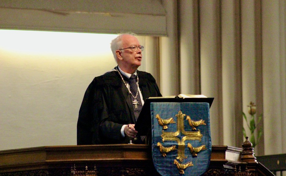 Lord Wallace preaching