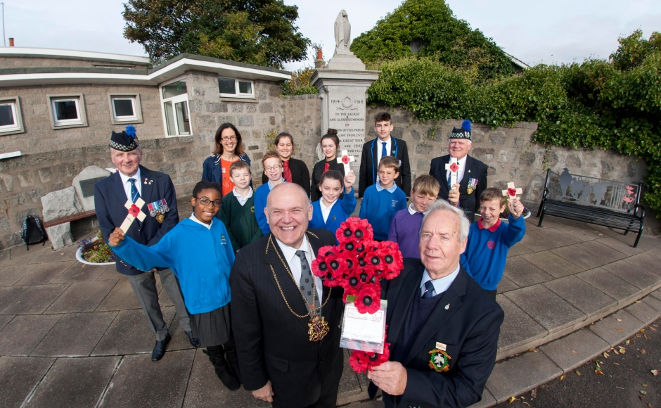 The Bridge of Don Remembers project was officially launched at the Bridge of Don war memorial by the Lord Provost of Abderdeen, Councillor Barney Crockett and John Tough, whose uncle is named on the War Memorial. They were joined by Legion Scotland and pupils from some of the schools who are taking part.