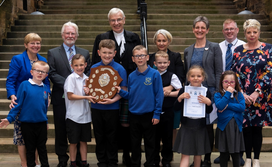 Rt Rev Colin Sinclair with children and teachers from Deanburn Primary School, and Rev Amanda MacQuarrie, the minister of Bo'ness Old Kirk