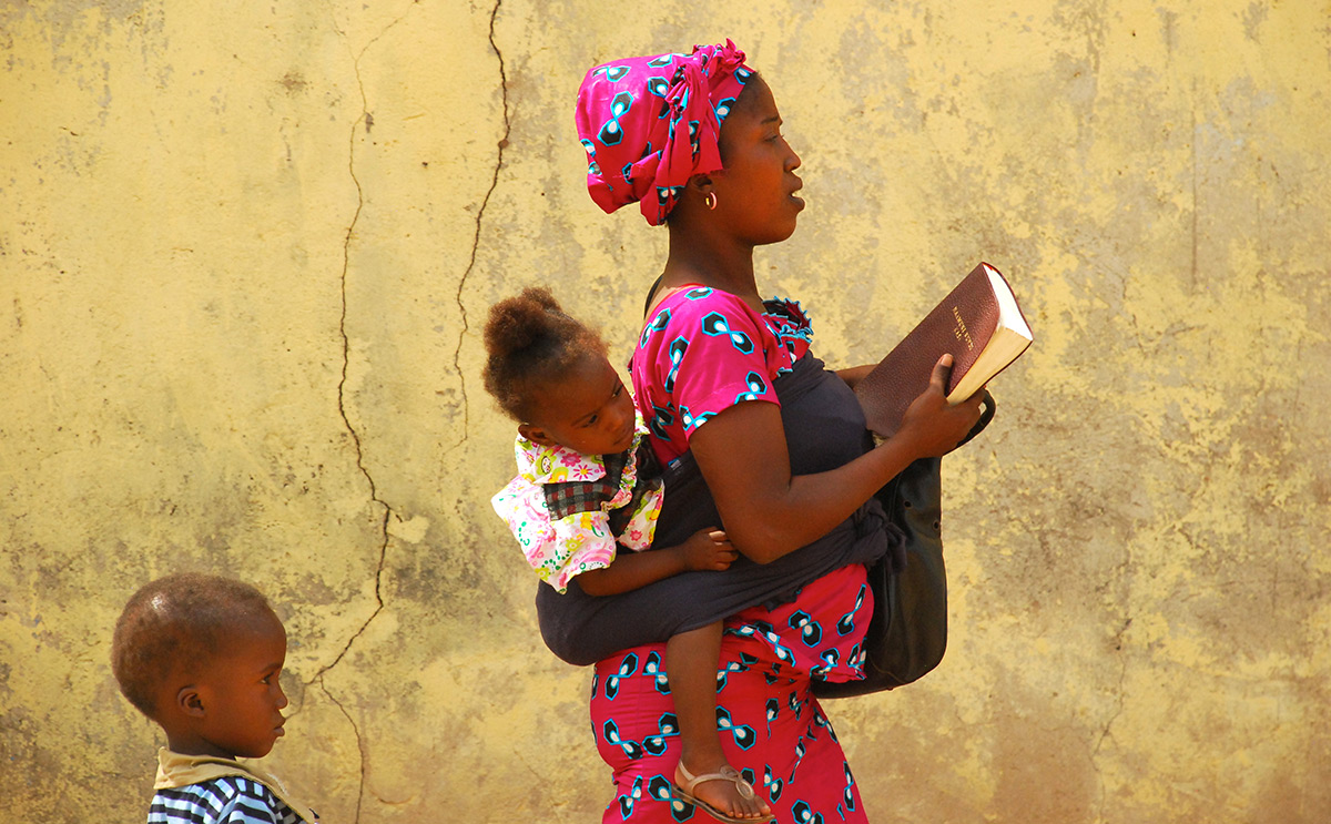 Ghanian mother and children