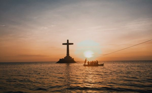 A cross by the sea