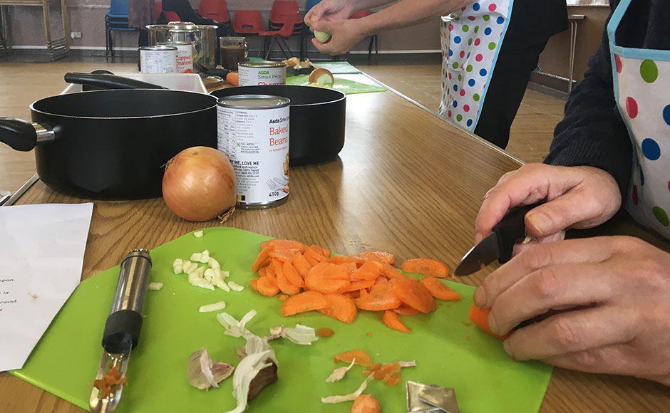During the cooking workshops after the wonder boxes have been made, a one pot recipe is prepared and cooked in a completed wonder box to reinforce the usage and to entice people to take part in the next series of cooking classes