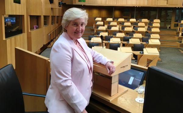 Very Rev Dr Lorna Hood