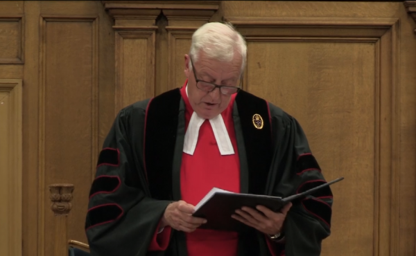 Rev Dr George Whyte reading the Queen's letter to the General Assembly 2020
